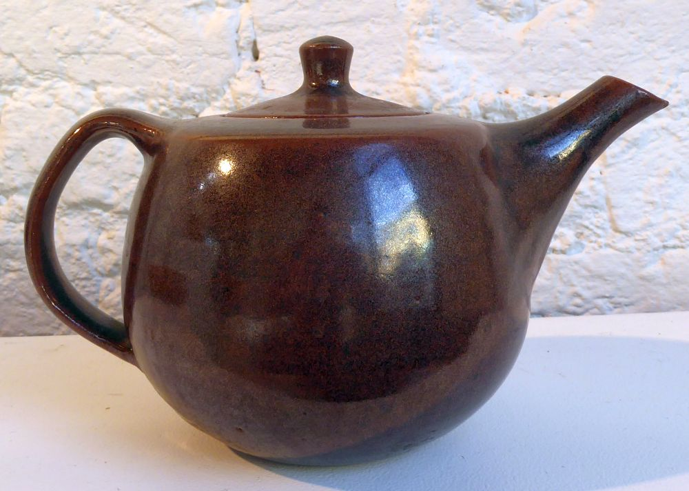 A classic Geoffrey Whiting stoneware teapot, c. 1980.